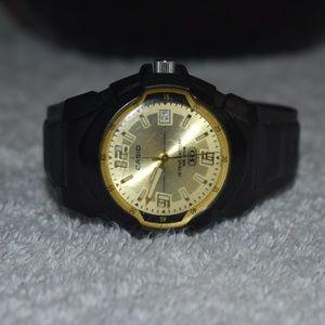 Vintage Casio HD Quartz Watch Black / Gold Combo